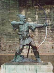 A Robin Hood statue outside Nottingham Castle